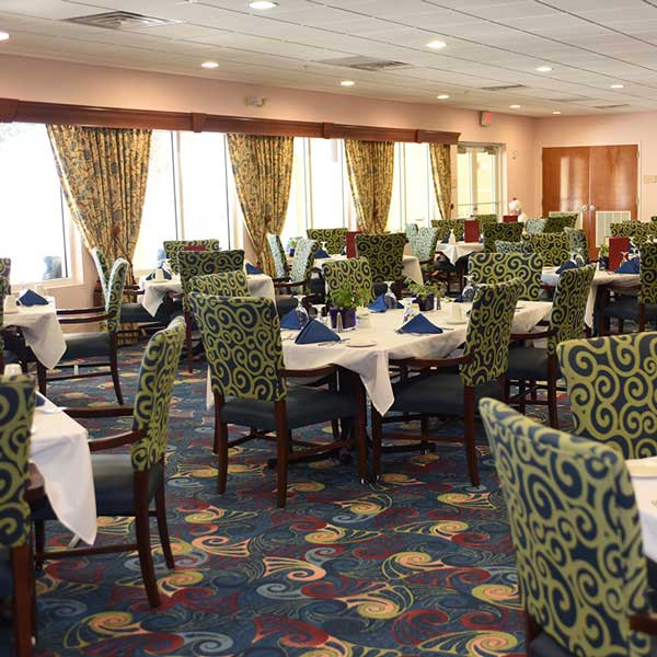 Victoria-Landing-riverfront-dining